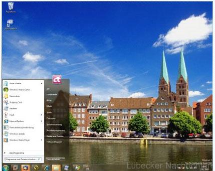 Lübecks Altstadt mit der Trave vorne und St. Marien im Hintergrund